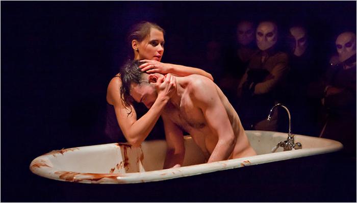 фото театр голых актеров